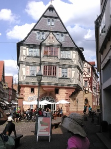 Inn at the Giant (reformer Luther and performer Presley stayed here, )